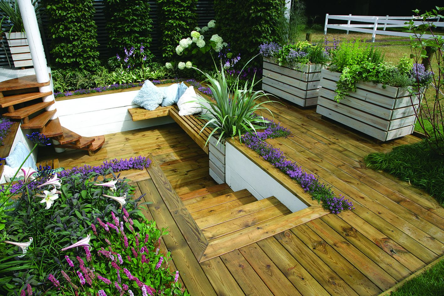 Awesome Decking Ideas For Sloping Garden - GARDENIDEAZ.COM on Decking Ideas For Sloping Garden id=56997